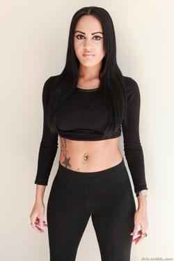 Tattooed Slut in Black Spandex - pics 00