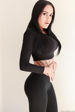 Tattooed Slut in Black Spandex - pics 03