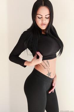Tattooed Slut in Black Spandex - pics 05