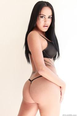 Tattooed Slut in Black Spandex - pics 06