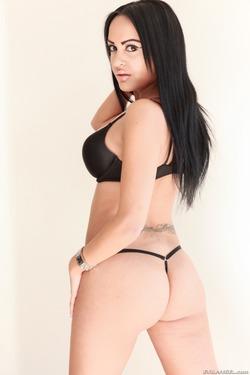 Tattooed Slut in Black Spandex - pics 09
