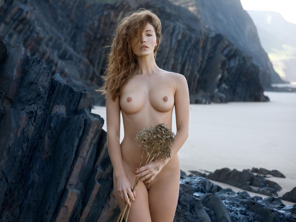 Beautiful Curly Brunette Vika A - picture 14