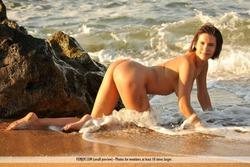 Susi R Big Titted Beauty Seaside - pics 06
