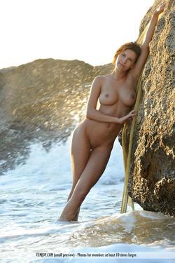 Susi R Big Titted Beauty Seaside - pics 12