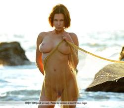 Susi R Big Titted Beauty Seaside - pics 14