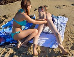 Kristen And Nina Kinky Ocean View - pics 05