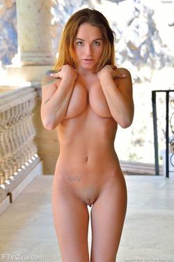 Charlotte Meaty Pussy In Public - pics 13