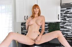 Hot Milf Lauren on the Countertop - pics 12