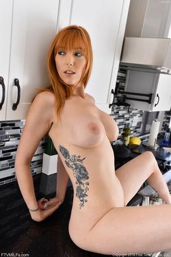 Hot Milf Lauren on the Countertop - pics 13