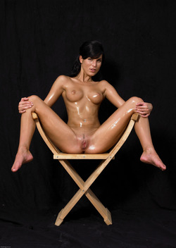 Oiled Babe Mirta Extreme Exposure - pics 03