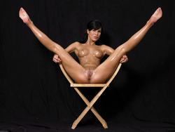 Oiled Babe Mirta Extreme Exposure - pics 06