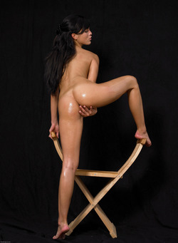 Oiled Babe Mirta Extreme Exposure - pics 09