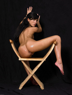 Oiled Babe Mirta Extreme Exposure - pics 12
