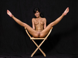 Oiled Babe Mirta Extreme Exposure - pics 15