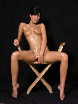 Oiled Babe Mirta Extreme Exposure - pics 16
