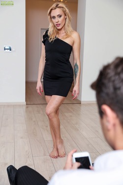 Sexy Milf Brittany Bardot Fucking - pics 03