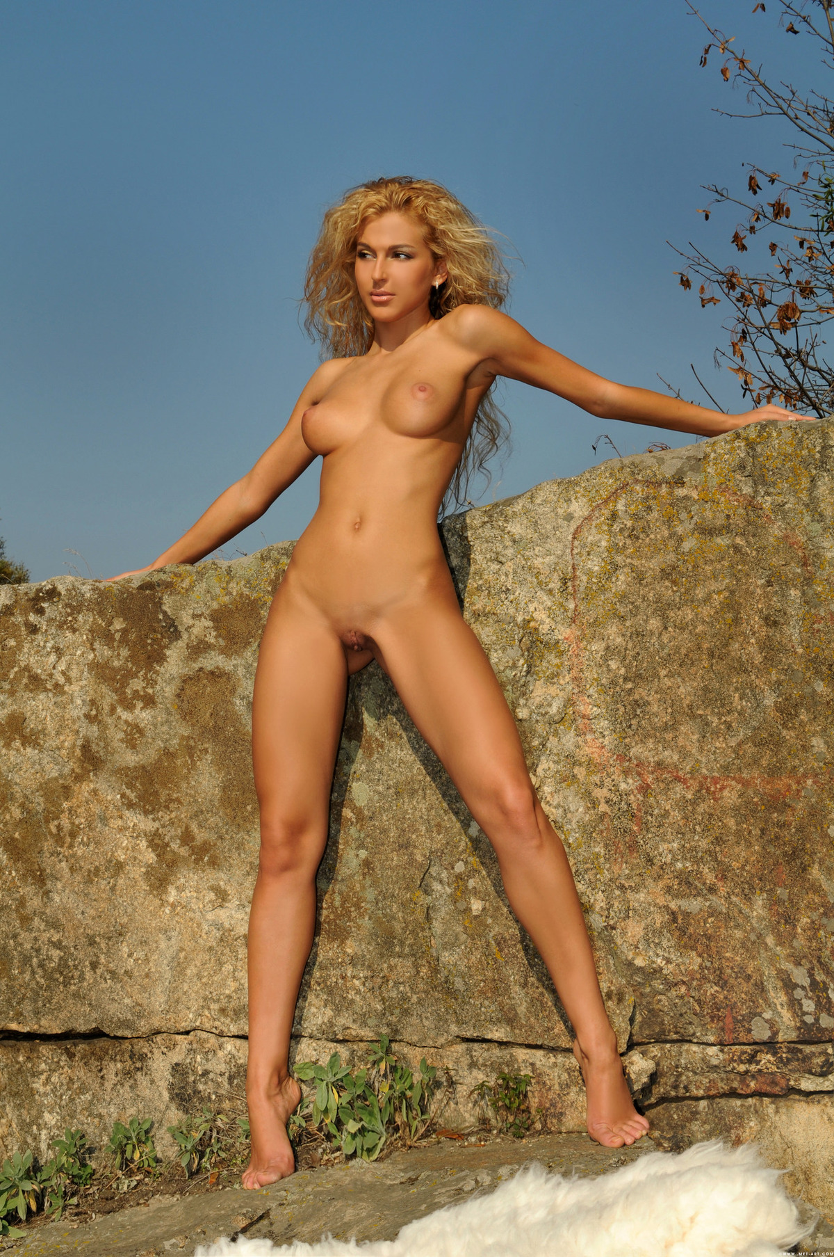 Ukrainian Blonde Beauty Katya Ad - picture 07