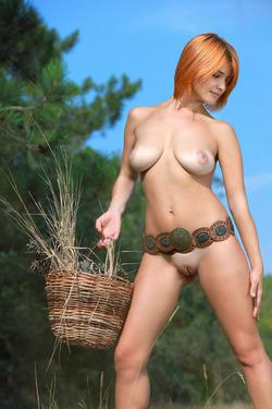 Sensual Redhead Violla A - Divesa - pics 01