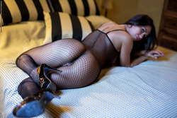 Justyna - Sexy Games in Fishnet Body - pics 00