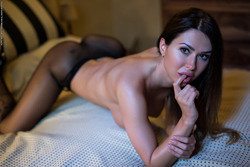 Justyna - Sexy Games in Fishnet Body - pics 04