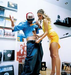 Victoria Swinger - Record Store Sex - pics 01
