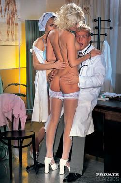 Katia Love Martina Mercedes 3some - pics 03