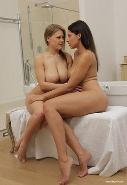 Busty Lesbians - Viola Bailey, Zafira - pics 16