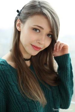 Mila Azul - Mini Skirt and Sweater - pics 00
