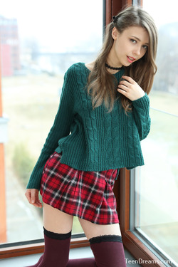 Mila Azul - Mini Skirt and Sweater - pics 03