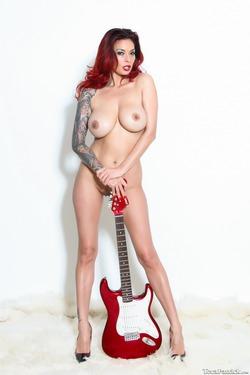 Tera Patrick Fender Stratocaster - pics 04