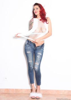 Pornstar Tera Patrick Ripped Jeans - pics 07