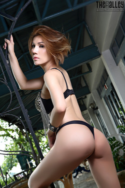 Tattooed Thai Model Janya Stripping - pics 03