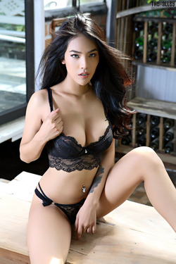 Beautiful Thai Babe Arya Stripping - pics 02