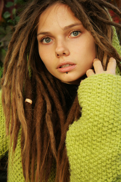 Beautiful Rasta Girl Sindi Candid - pics 00