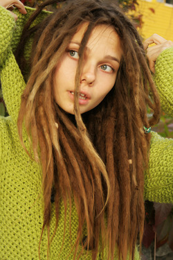 Beautiful Rasta Girl Sindi Candid - pics 08