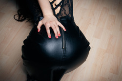 Eva Kahil Mysterious Girl in Black - pics 01