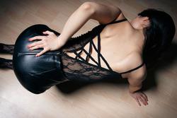 Eva Kahil Mysterious Girl in Black - pics 02