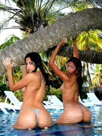 Ruth Medina and Zaza in Water Party