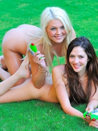 Natural Lesbian Babes Have Fun