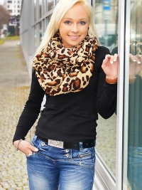 Platinum Babe Naomi on Casting