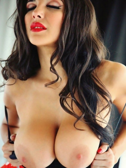 Big Boobs Bombshell Andrea Rincon Nude Playboy Sexy Pictures