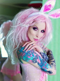 Steaming Hot Tattooed Gothic Bunny Razor Candi Riding a Pink Toy