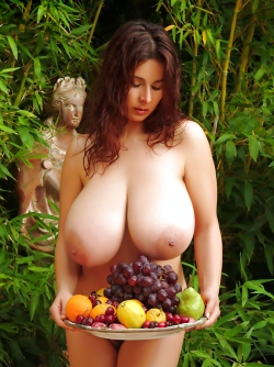 Mighty Boobed Sexbomb Chloe Vevrier and the Fruits of Summer