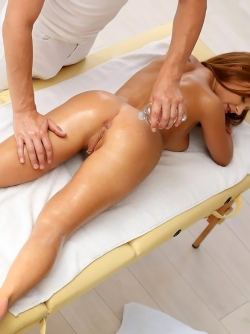 Baby Kate with Natural Curves Fucking on the Massage Table