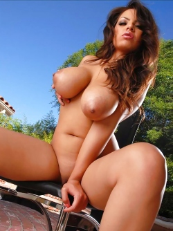 Beautiful Busty Exotic Model Yurizan Beltran Outdoors Teases