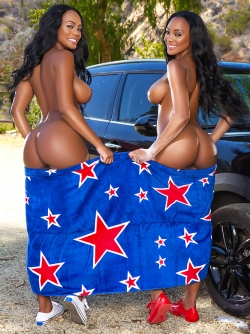 Just Like Twins - Ebony Beauties Brittany D and Brandi Kelly