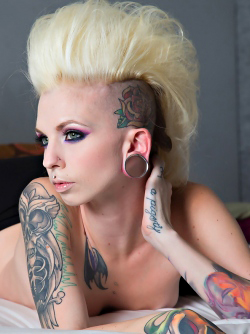 Blonde Punk Prepaired for Fucking