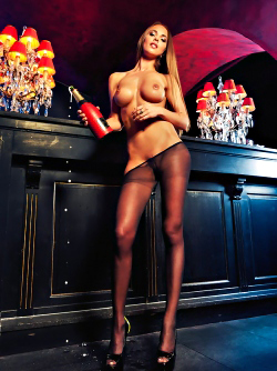Incredible Playboy Bunny - Lien Biesheuvel Stockings Pictures