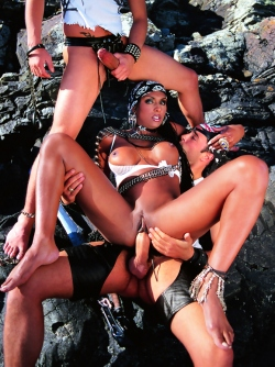 Ebony Pirate Bettina Hot Threesome