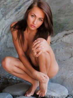 Michaela Isizzu aka Mila K Nude Pics